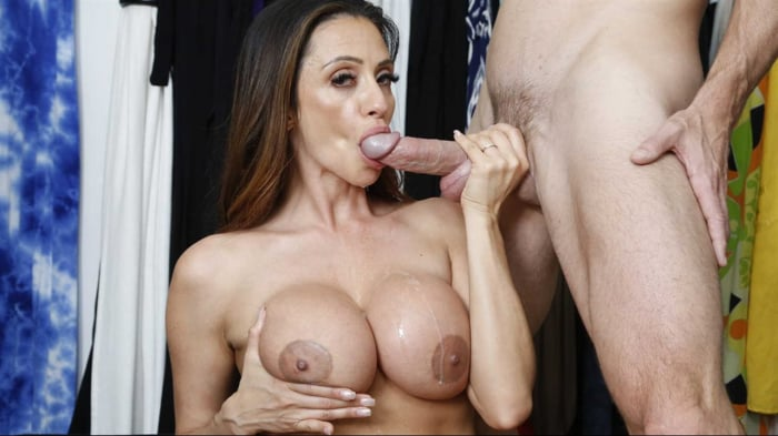 Ariella Ferrera in Pussy Off The Rack