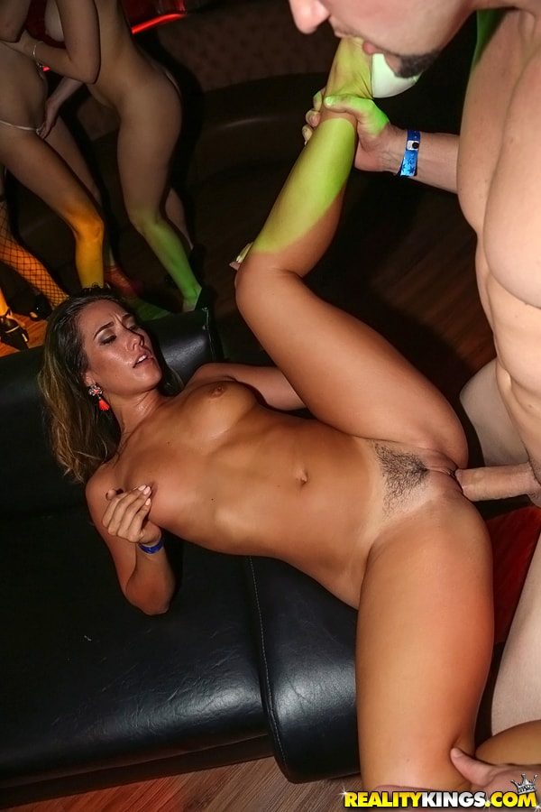 Eva Lovia 7